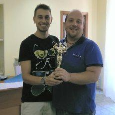 L'amministratore di Lega premia Luca Valli (Interfogat) vincitore della Copa America 2015